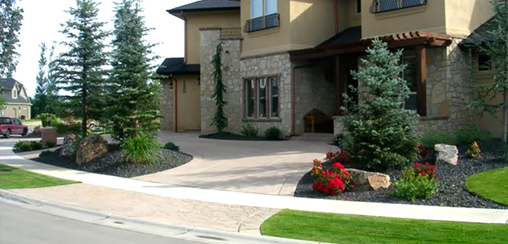Landscape design lawn maintenance everything outdoors for Home landscaping services